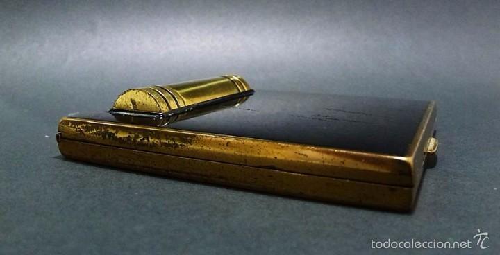 Antigüedades: ANTIGUA POLVERA METAL DORADO Y ESMALTADA CON PINTALABIOS- ART DECO AÑOS 30-40 - Foto 4 - 58398454