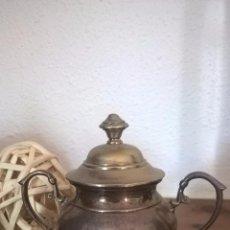 Antigüedades: HERMOSA OLLA CON TAPA ANTIGUA.. Lote 58406549