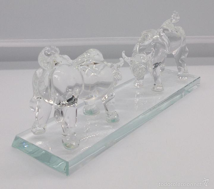 Antigüedades: Escultura antigua en cristal de murano Italiano ( Toros encarados sobre peana ), Isla de San Michele - Foto 3 - 58408613