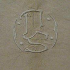 Antigüedades: ANTIGUA SÁBANA ART DECO DE LIENZO CON INICIALES VAINICA PPIO.S.XX. Lote 58415111