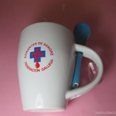 Antigüedades: TAZÓN-COFFE MUG-ESPAÑA-DONANTES DE SANGRE-CUCHARILLA-10,5X8,0 CMS-PERFECTO,COMO NUEVO-VER FOTOS.. Lote 58459808