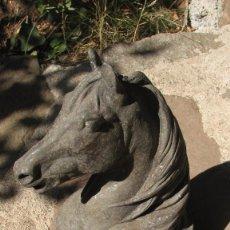 Antigüedades: CABEZA DE CABALLO DE HIERRO.. Lote 58477792