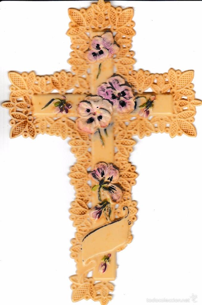 ANTIGUO CRUCIFIJO EN MATERIAL PLASTICO (Antigüedades - Religiosas - Cruces Antiguas)