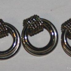 Antigüedades: LOTE 3 BONITOS BOTONES ANTIGUOS DE METAL. Lote 58489257