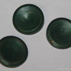 Antigüedades: LOTE 3 BOTONES ANTIGUOS COLOR VERDE. Lote 58489339