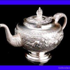 Antigüedades: ANTIGUA CAFETERA DE PLATA MACIZA DECORADA A MANO Y CONTRASTADA. PRINCIPIOS DEL SIGLO XX. Lote 58493493