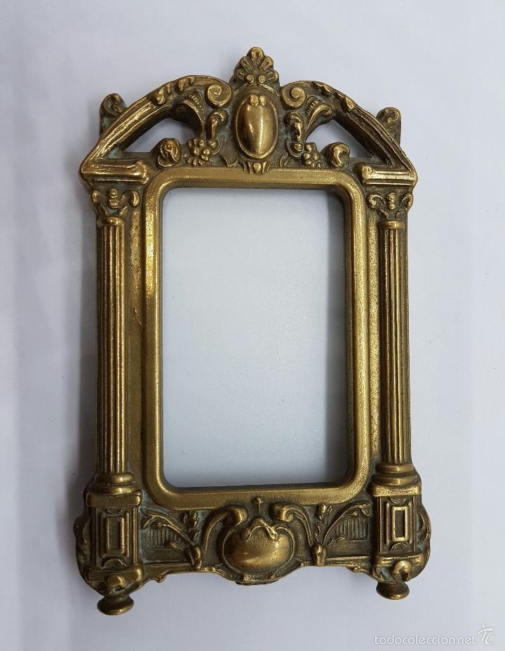 Antigüedades: Elegante marco antiguo en bronce de estilo victoriano. - Foto 4 - 58502911