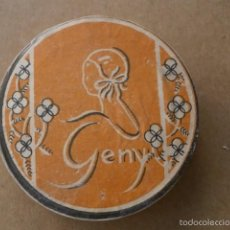 Antigüedades: CAJITA POLVERA GENY PRECINTADA SIN USO AÑOS 30 40 CON SU CONTENIDO ORIGINAL. Lote 60667313