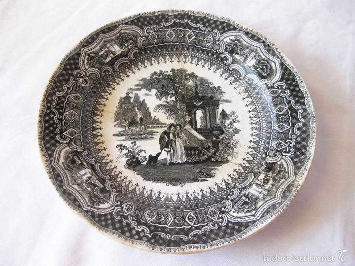 PLATO DE PORCELANA DE FALCO Y COMPAÑIA. VALDEMORILLO (Antigüedades - Porcelanas y Cerámicas - Otras)