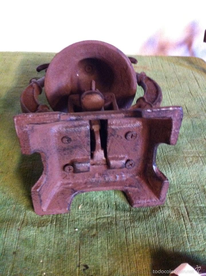 Antigüedades: BONITO Y RARO TIMBRE EN HIERRO PAR MESA DE DESPACH0. s. XIX - Foto 6 - 58538260