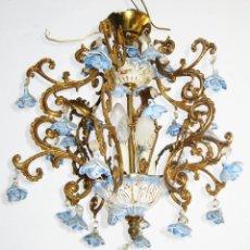 Antigüedades: PRECIOSA LAMPARA ANTIGUA BRONCE Y FLORES CERAMICA MANISES AÑOS 30 DECORACION CLASICA VINTAGE. Lote 70158341