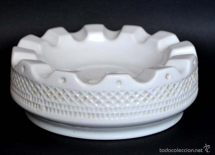 GRAN CENICERO BLANCO DE PORCELANA GALLEGA * CASTRO * SARGADELOS * 20 CM (Antigüedades - Porcelanas y Cerámicas - Sargadelos)