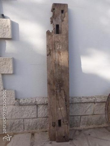 viga de madera de un porton antiguo de dos hojas antigedades tcnicas rsticas