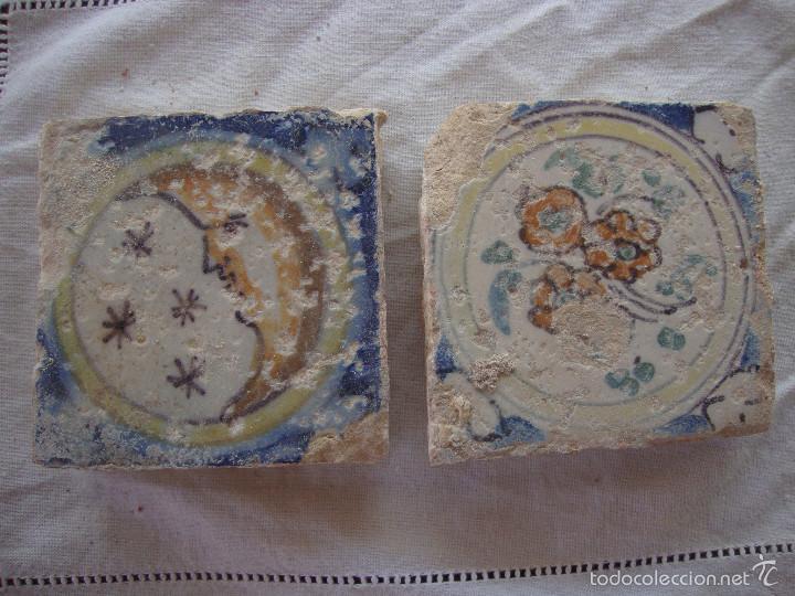 PAREJA OLAMBRILLAS (AZULEJOS) SIGLO XVIII TRIANA (Antigüedades - Porcelanas y Cerámicas - Triana)