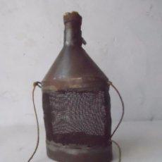 Antigüedades: JAULA GRILLOS GRILLERA MUY ANTIGUA CAJITA PARA GRILLOS PARA PESCA PESCADOR ?. Lote 58667460