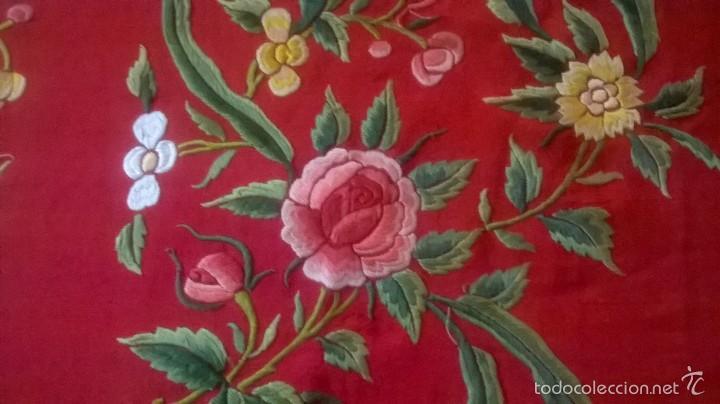 Antigüedades: ANTIGUO MANTON DE MANILA FINALES.XIX PP XX. SEDA FINA ROJO BERMELLÓN.BORDADO A MANO.ESPECTACULAR - Foto 9 - 58675789