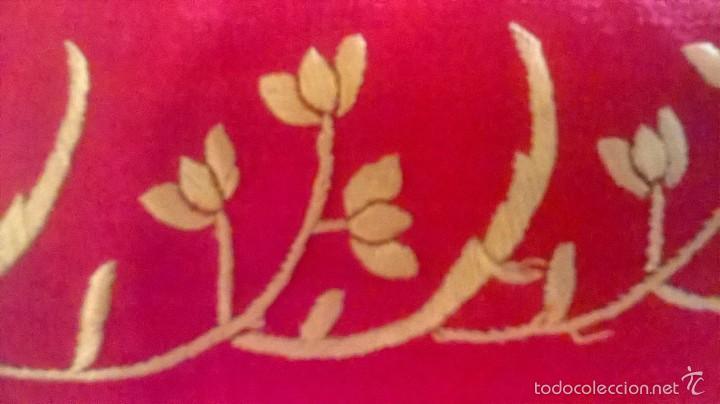 Antigüedades: ANTIGUO MANTON DE MANILA FINALES.XIX PP XX. SEDA FINA ROJO BERMELLÓN.BORDADO A MANO.ESPECTACULAR - Foto 23 - 58675789