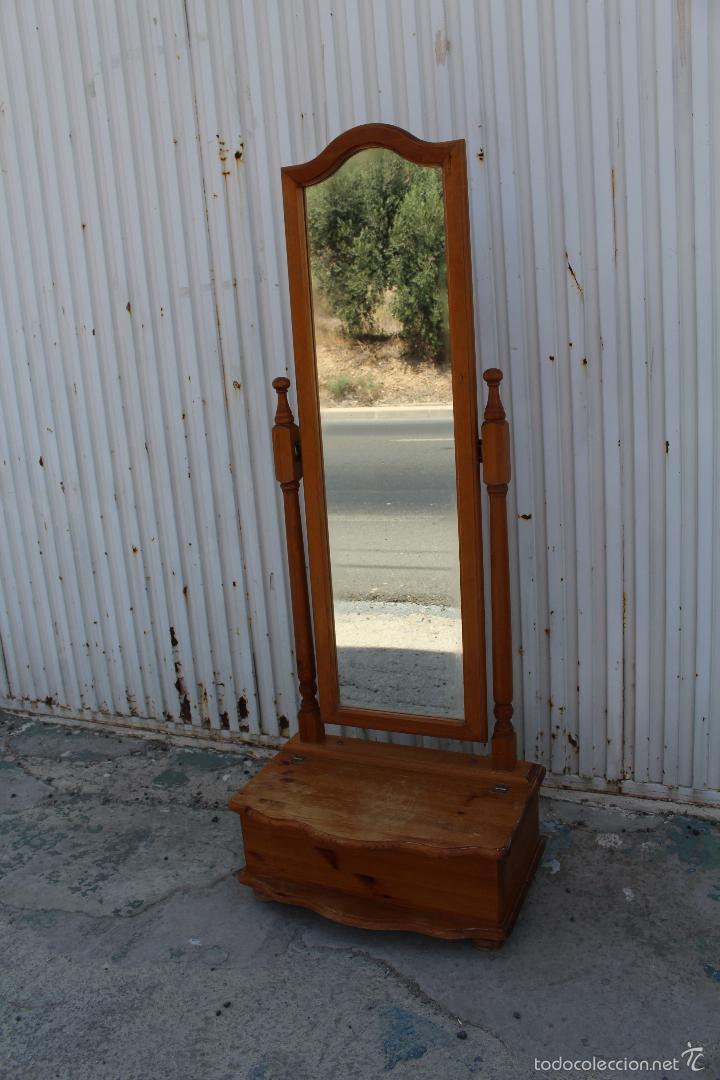 Espejos de madera espejos de vestidor inspiracin espejos for Espejo pie madera