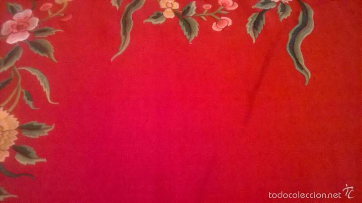 Antigüedades: ANTIGUO MANTON DE MANILA FINALES.XIX PP XX. SEDA FINA ROJO BERMELLÓN.BORDADO A MANO.ESPECTACULAR - Foto 26 - 58675789