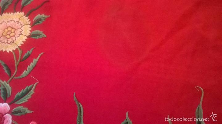 Antigüedades: ANTIGUO MANTON DE MANILA FINALES.XIX PP XX. SEDA FINA ROJO BERMELLÓN.BORDADO A MANO.ESPECTACULAR - Foto 29 - 58675789