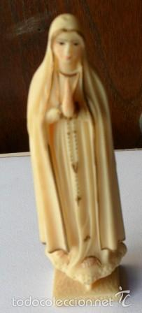 VIRGEN DE FÁTIMA EN RESINA (Antigüedades - Religiosas - Varios)
