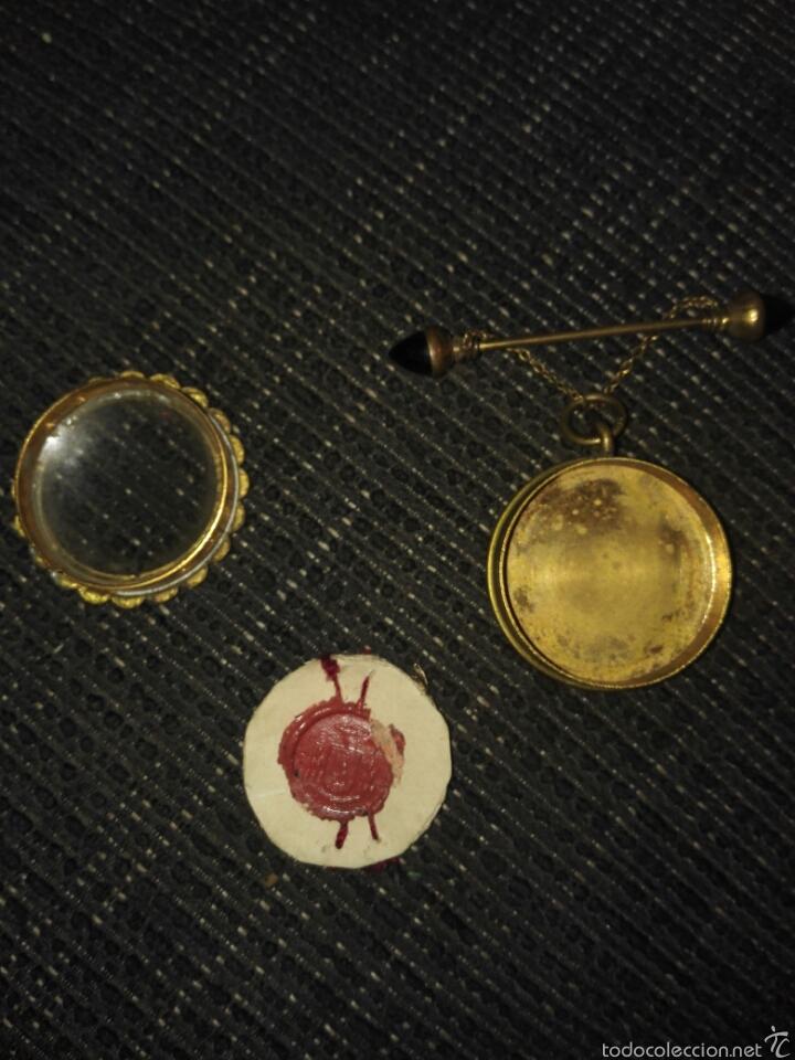 Antigüedades: Relicario muy antiguo con broche con cadenita y desenrosca - Foto 15 - 58961510