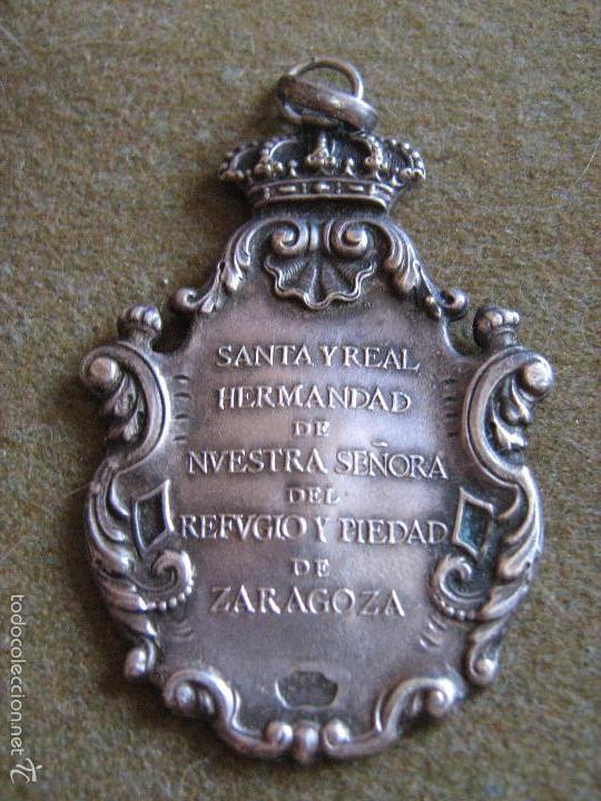 Antigüedades: ANTIGUA MEDALLA DE PLATA DE LA SANTA Y REAL HERMANDAD DE NTRA SRA DEL REFUGIO Y PIEDAD DE ZARAGOZA - Foto 2 - 58980230