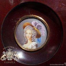 Antigüedades: PRECIOSA MINIATURA DE RETRATO SIGLO XIX - PINTADO A MANO - MEDIDAS CON MARCO 11,8 CM. Lote 59338435