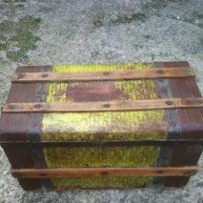 Antigüedades: ANTIGUO BAUL DE VIAJE. EN MADERA Y CHAPA.DE PRINCIPIO SIGLO PASADO. Lote 59396461
