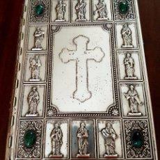 Antigüedades: EXTRAORDINARIA BIBLIA CON LAS CUBIERTAS DE LUJO, PLATA? EN RELIEVE Y PIEDRAS SEMIPRECIOSAS. Lote 59436630