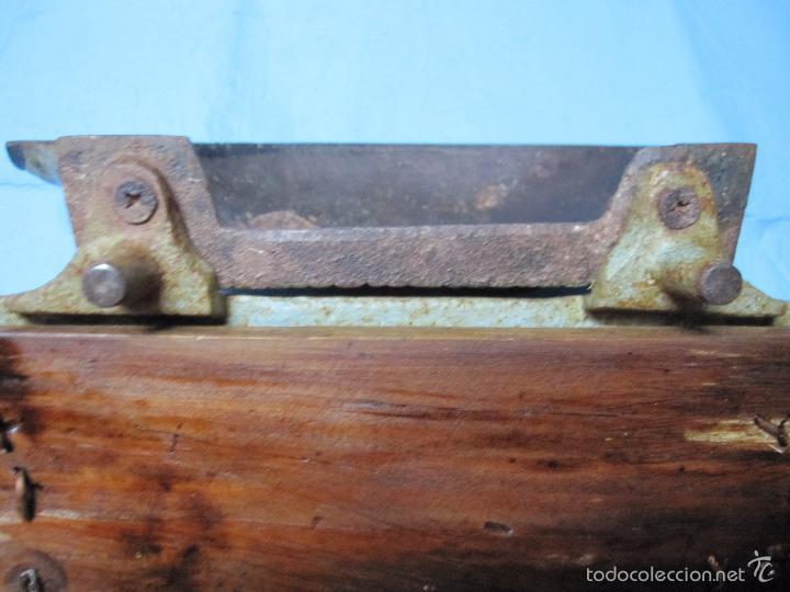 Antigüedades: ANTIGUO FELPUDO PIEZA DE MUSEO ETNOGRAFICA PARA LIMPIAR CALZADO SUELAS ZAPATOS ERIZO DE HIERRO - Foto 6 - 59444265