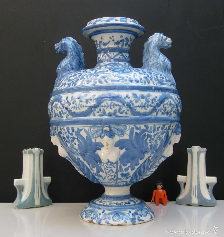 COTIZADISIMO GRAN JARRON ANFORA TALAVERA CERAMICA ANTIGUA CIRCA 1920 RUIZ DE LUNA EN AZUL COBALTO (Antigüedades - Porcelanas y Cerámicas - Talavera)