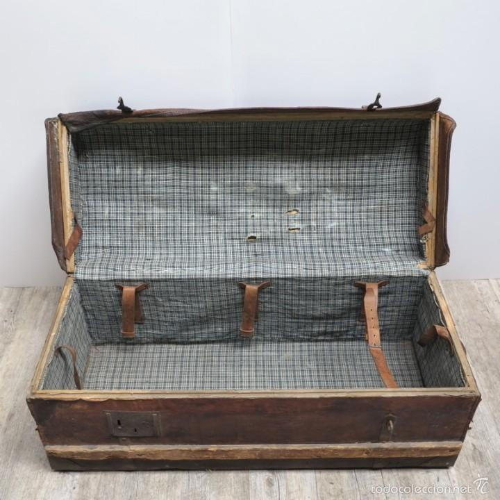 Antigüedades: BAÚL DE VIAJE de cuero y madera. Alemania 1850 - 1880 - Foto 3 - 59663807
