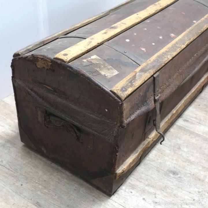 Antigüedades: BAÚL DE VIAJE de cuero y madera. Alemania 1850 - 1880 - Foto 9 - 59663807