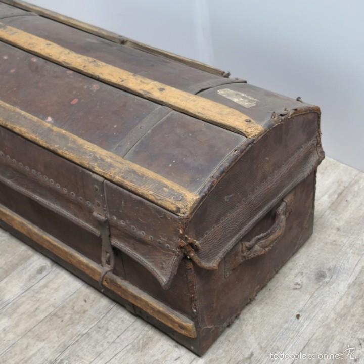 Antigüedades: BAÚL DE VIAJE de cuero y madera. Alemania 1850 - 1880 - Foto 10 - 59663807