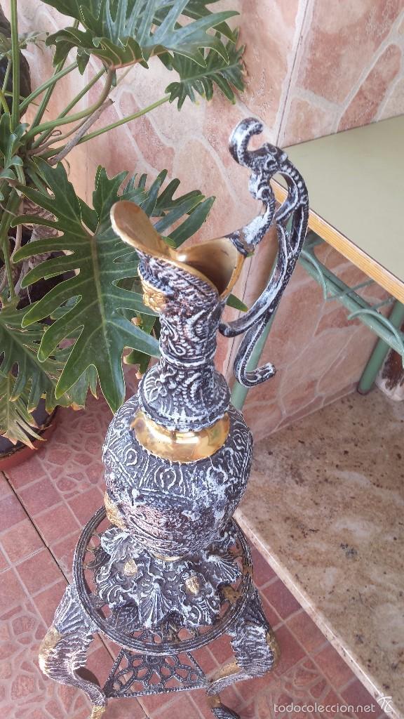Antigüedades: jarron y soporte en bronce - Foto 2 - 59669075
