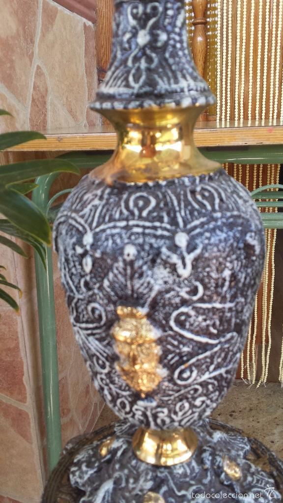 Antigüedades: jarron y soporte en bronce - Foto 3 - 59669075