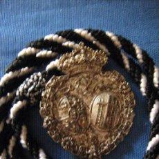 Antigüedades: SEMANA SANTA - ANTIGUA MEDALLA CORDON D LA HERMANDAD DE LA SOLEDAD DE HUEVAR DEL ALJARAFE - SEVILLA . Lote 59848704