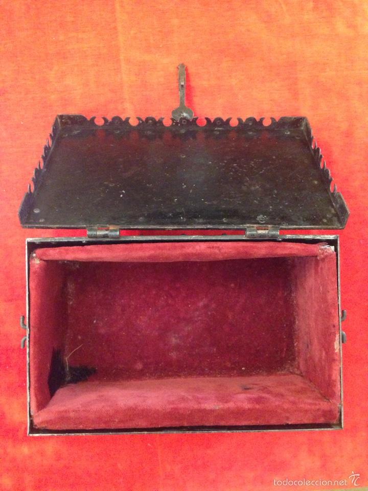 Antigüedades: Cofre joyero de hierro del siglo XVIII - Foto 7 - 59887275