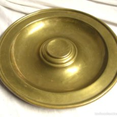 Antigüedades: PLATO PETITORIO LIMOSNERO DE MISA, S XIX DE BRONCE. MED 30 CM. Lote 59949375