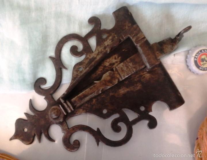 Antigüedades: CENTENARIA CERRADURA DEL SIGLO XVIII. ESPECTACULAR. FORJA ANTIGUA - Foto 2 - 59996411