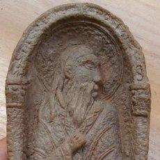 Antigüedades: CURIOSA PIEZA Y MUY ANTIGUA DEL SIGLO XIX DEL APOSTOL SANTIAGO HECHO EN LO QUE PARECE ARCILLA COCIDA. Lote 60104695