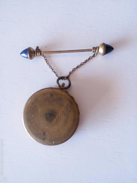 Antigüedades: Relicario muy antiguo con broche con cadenita y desenrosca - Foto 2 - 58961510