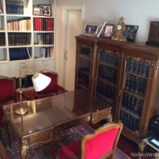 Antigüedades: DESPACHO ANTIGUO COMPLETO ESTILO LUIS XV. MESA ESCRITORIO MUEBLE ESTANTERÍA VITRINA LIBRERÍA ANTIGUA. Lote 60162627