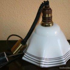 Antigüedades: BONITA LAMPARA ANTIGUA DE PORCELANA PARA TECHO ART DECO. Lote 60288991