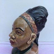 Antigüedades: ANTIGUA HUCHA DEL DOMUND - AYUDAD A LAS MISIONES - ORIGINAL - MUJER INDIA NEGRA - CERAMICA VIDRIADA . Lote 60298087