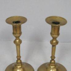 Antigüedades: ANTIGUA Y BONITA PAREJA DE CANDELERO. FINALES SIGLO XIX. Lote 60317147
