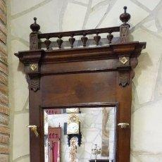 Antigüedades: MUEBLES ANTIGUOS , ENTRADA DE MADERA DE CASTAÑO, ESPEJO.. Lote 60381047