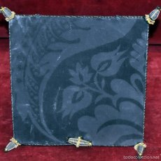 Antigüedades: GUARDA CORPORAL EN ROPA DAMASCADA. Lote 60412319