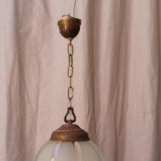 Antigüedades: LAMPARA DE TECHO EN METAL CON TULIPA DE CRISTAL . Lote 60560795